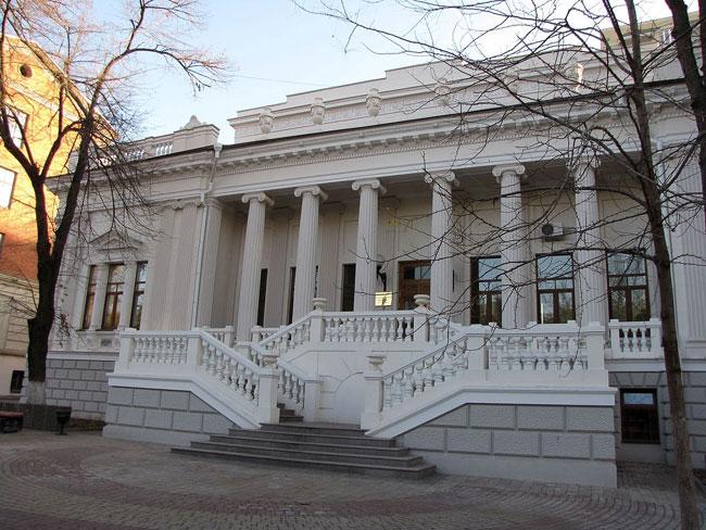 здание зональной библиотеки ЮФУ