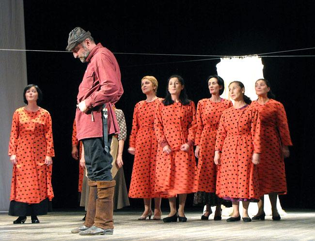 Абхазский государственный драматический театр имени С.Чанба, спектакль Махаз, фото Веры Волошиновой