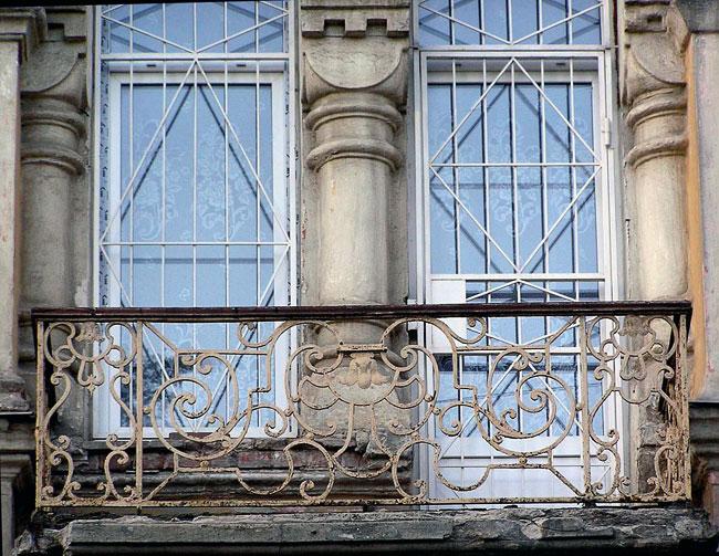 Станиславского 91, балкон, фрагмент балконного ограждения, Ростов-на-Дону, фото Веры Волошиновой