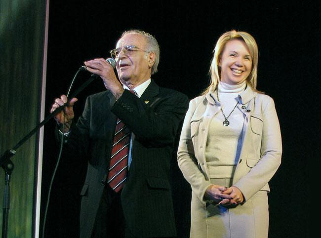 Михаил Бушнов приветствует спонсоров, театральная премия Мельпомена 2010