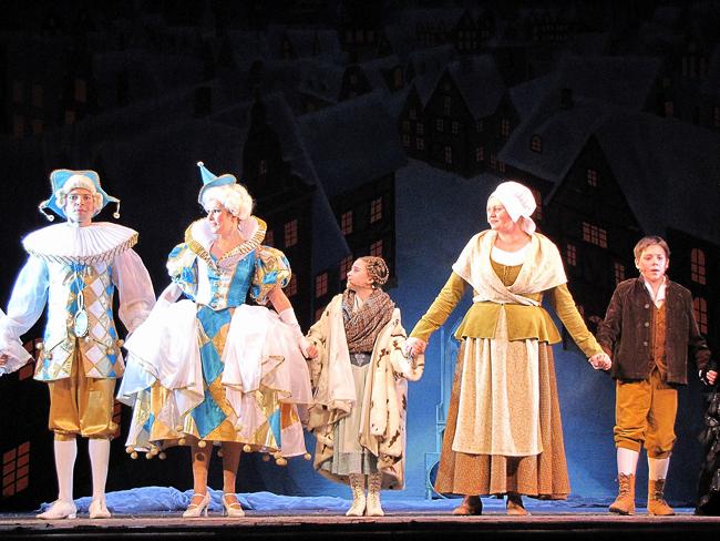 Новогоднее представление Снежная королева в Ростовском музыкальном театре, фото Веры Волошиновой