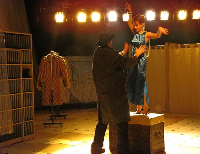 Спектакль Волшебное платье Ростовского Молодежного театра, фото Веры Волошиновой