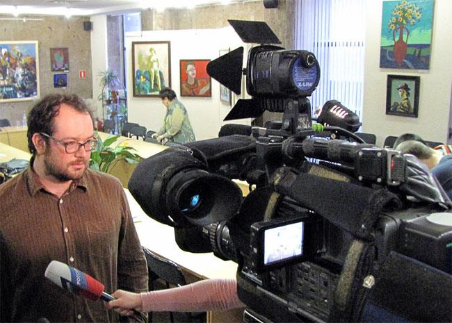 Рауля Алаехоса атакуют тележурналисты
