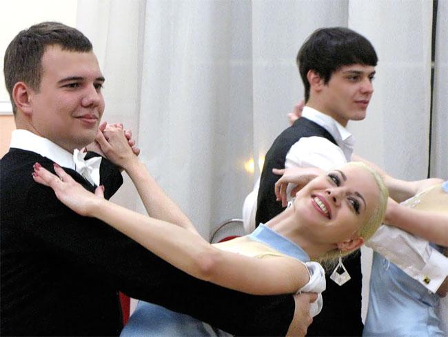 Студенческий бал в Ростове-на-Дону, фото Веры Волошиновой