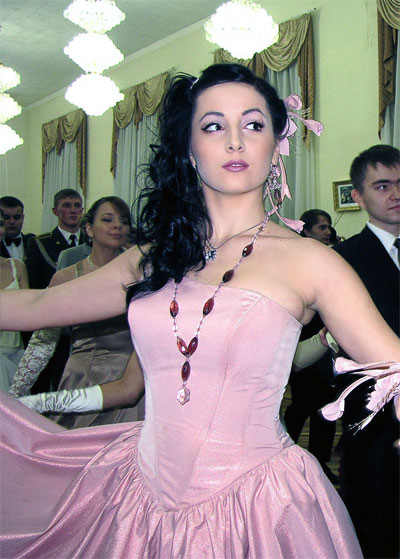 Королева бала Алиса Кирьязиева