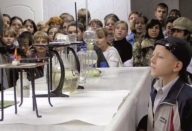 Цикл интерактивных лекций для школьников в рамках проекта Человек изобретающий, Ростов-на-Дону, фото Веры Волошиновой