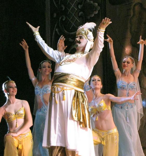 Ахмед-паша, балет Корсар в Ростовском музыкальном театре, фото Веры Волошиновой
