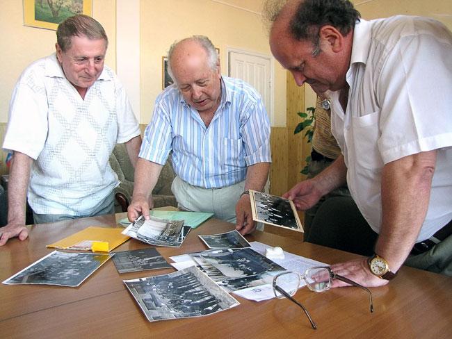 Композиторы в Молоте Анатолий Цукер, ВладимирКраснокутский и Головко (редактор)