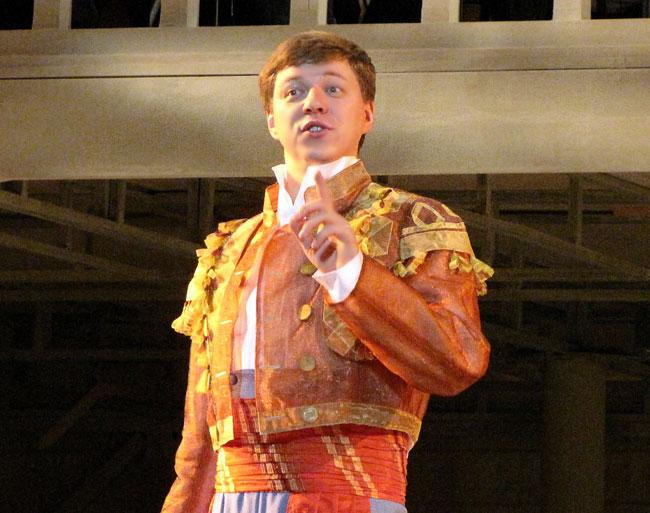 Ленский, уже Фигаро, опера Свадьба Фигаро в Ростовском МузыкальномТеатре