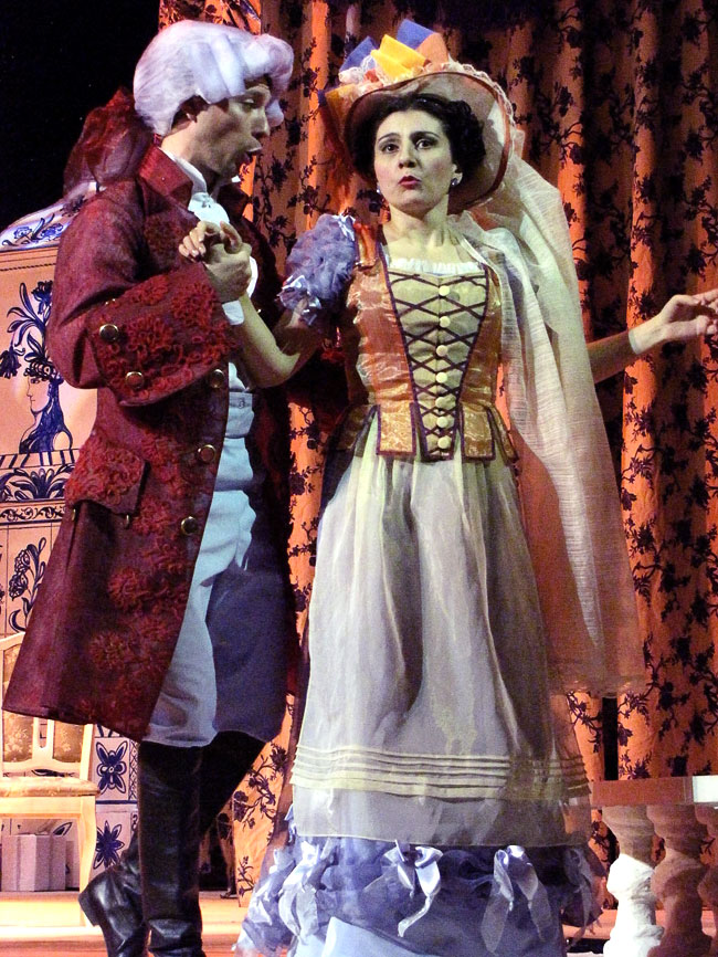 Граф и Сюзанна, опера Свадьба Фигаро в Ростовском МузыкальномТеатре