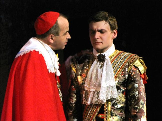 Спектакль Молодость Людовика ХIV в Таганрогском театре