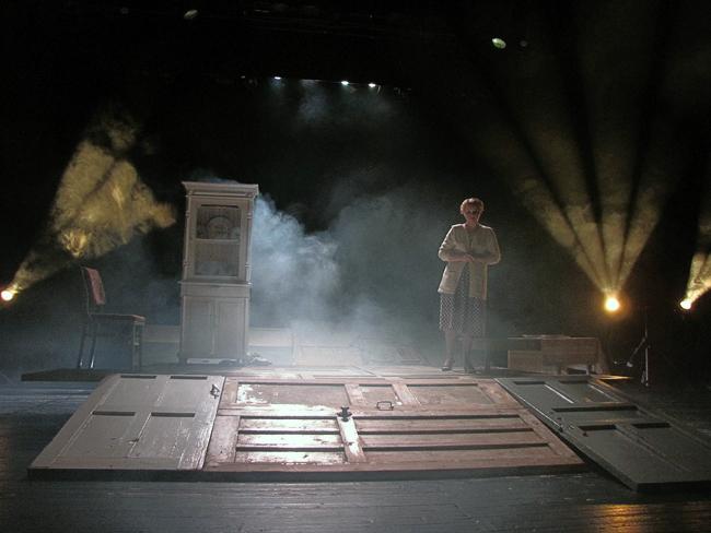 спектакль Новошахтинского театра Ночь Гельвера