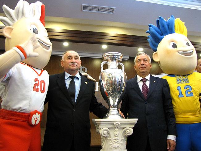 Кубок УЕФА Александр Лукьянченко Славен Славко и Виктор Грачев