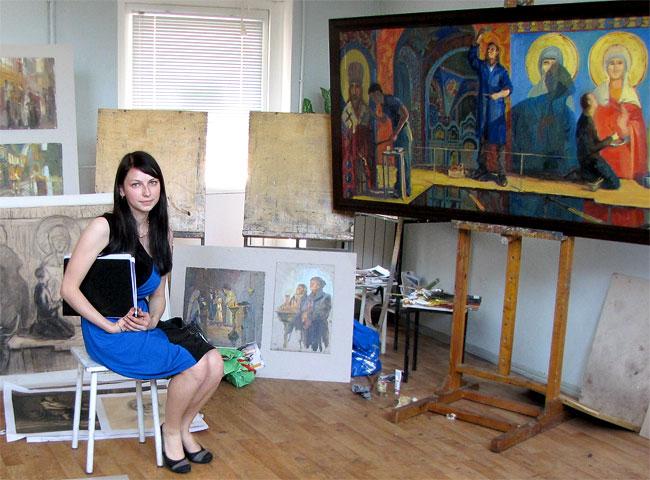 Виктория Яковлева на защите дипломных работ в Ростовском художественном техникуме имени М.Б.Греков 2012 года