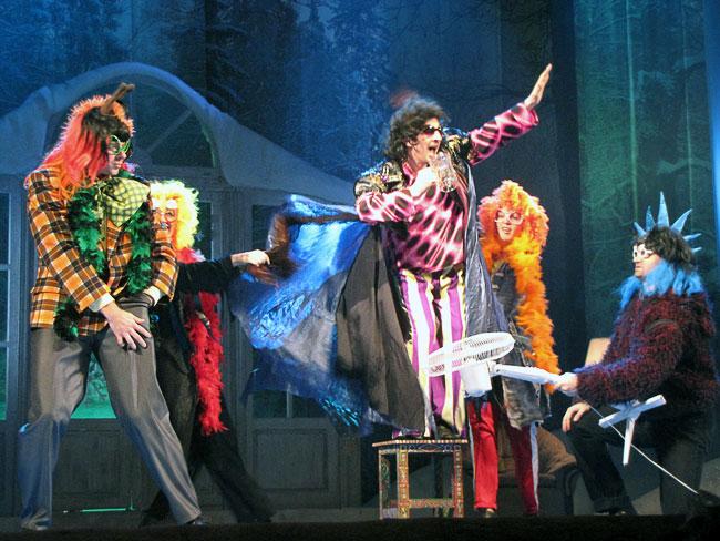 Детское новогоднее представление в Ростовском Молодежном Театре
