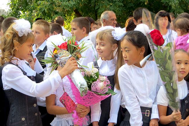 школьники-первоклашки, первое сентября