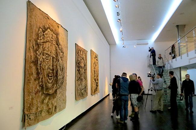 Выставка Владимира Анзельма на 16-ой линии, Ротсов-на-Дону