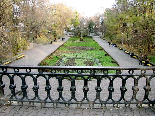 Восточный партер парка Горького Ростова-на-Дону