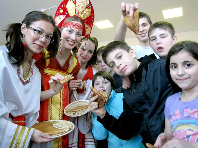 Волонтеры устроили праздник масленицы в детском доме, Ростов-на-Дону