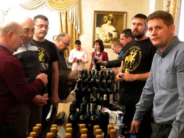 на винной ярмарке в Ростове
