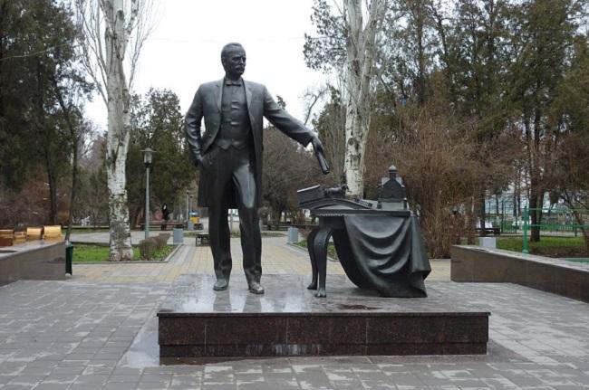 памятник байкову
