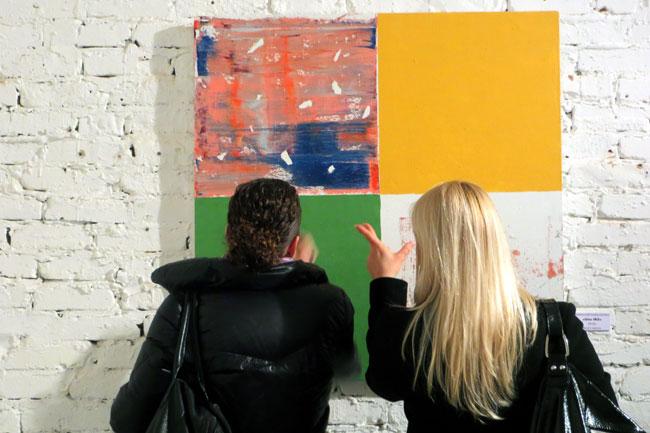 на выставке  Коваленко в Макаронке