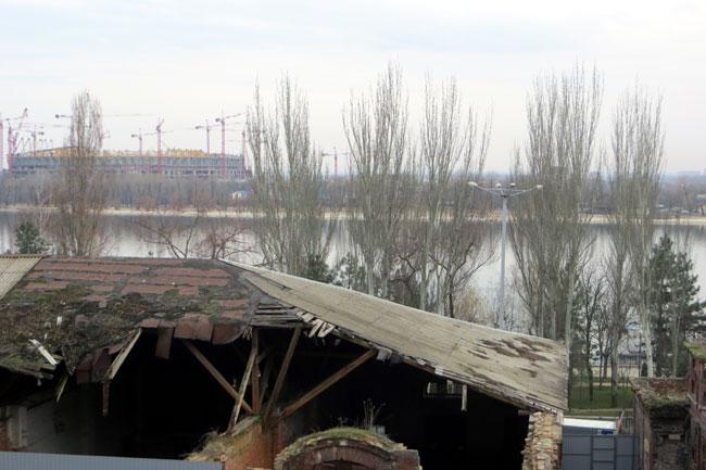 проваленная крыша на Парамоновских складах