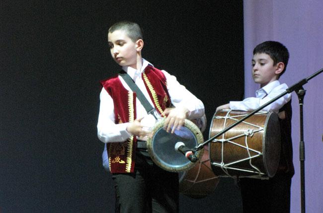 греческие барабанщики