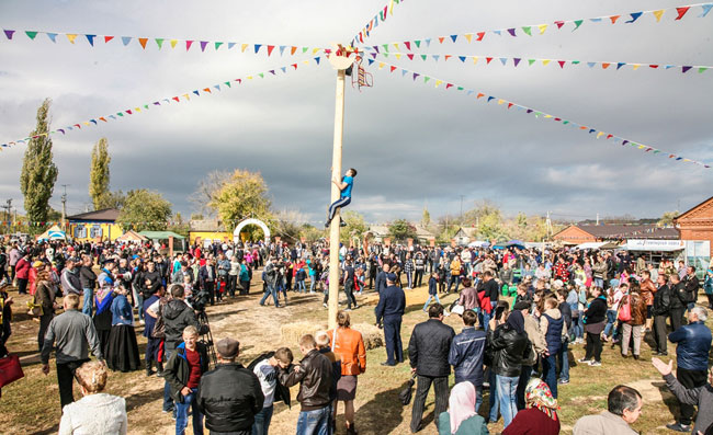 Каргинская-ярмарка-на-столб