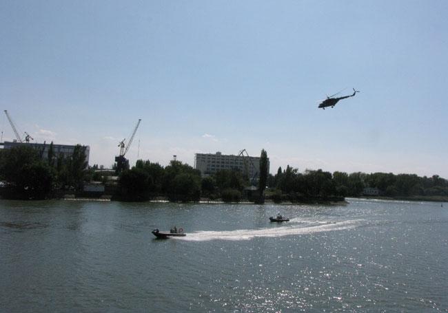 атака-вертолета-на-террорис