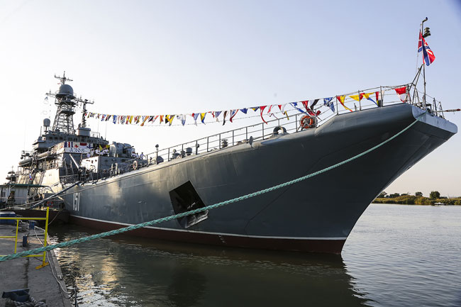 корабль-Азов-Паша