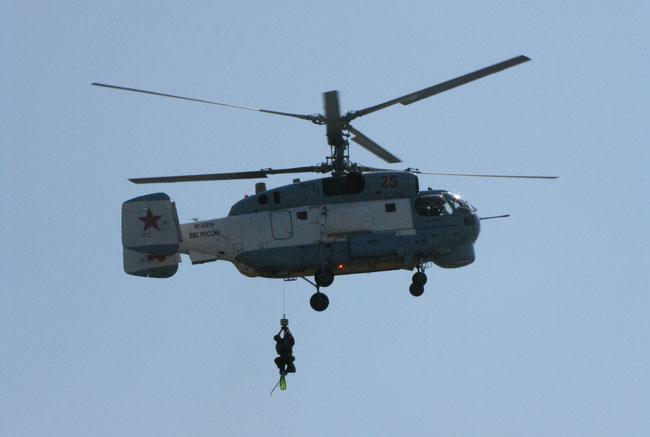 спуск-спасателя-с-вертолета