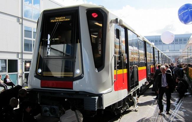 вагон варшавского метро