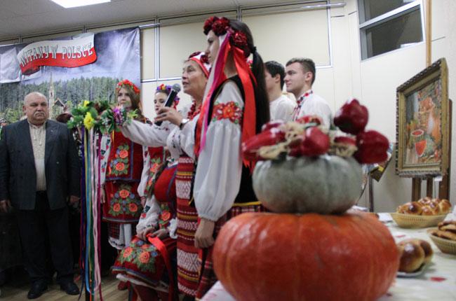 украинцы-представляют-свой-