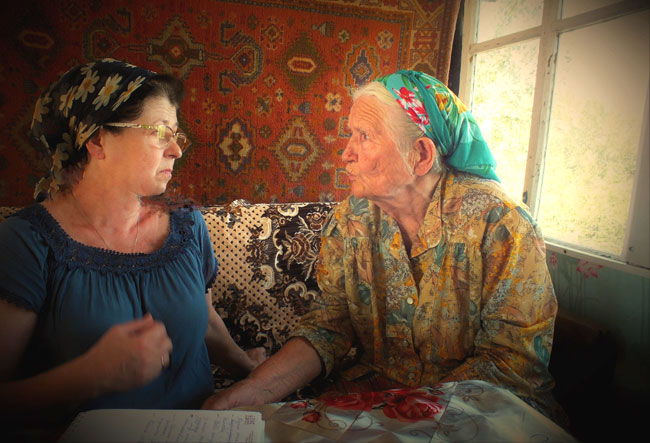 Татьяна-Власкина-беседует-с