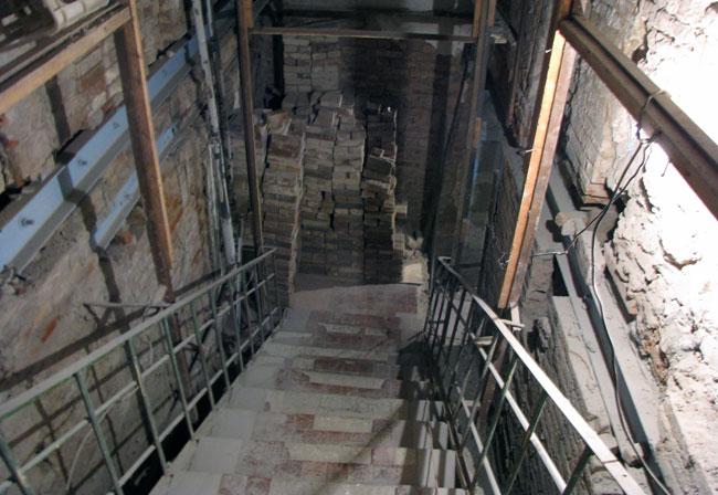 Нынешний-вид-лестницы-в-под