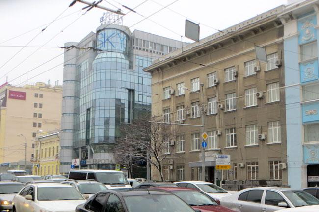 угол-Ворошиловского-и-Шаумя