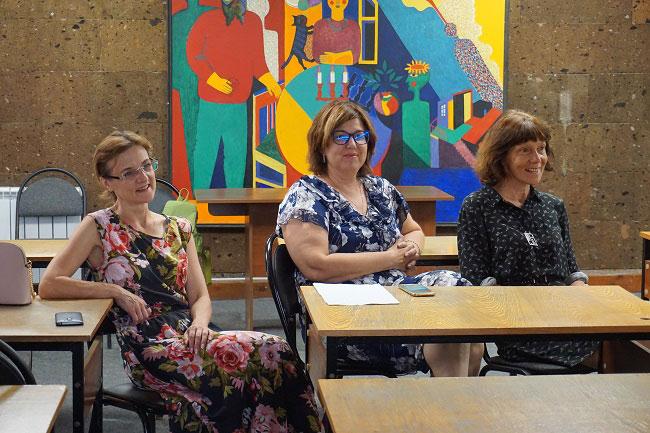 Психолог Наталья Волконская, руководитель проекта Татьяна Новоселова и дефектолог Татьяна Чимпоеш