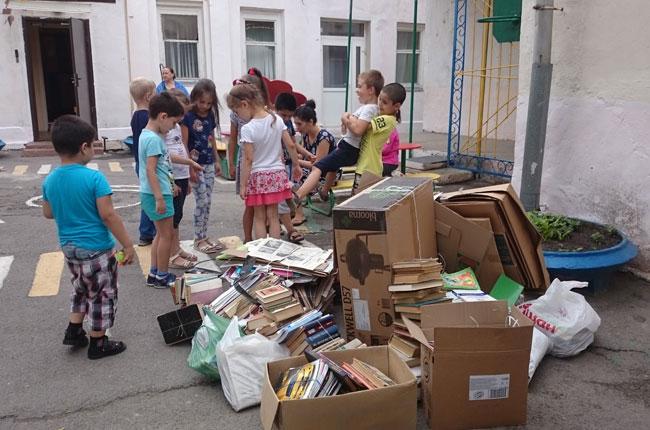 сбор-мусора-малышами