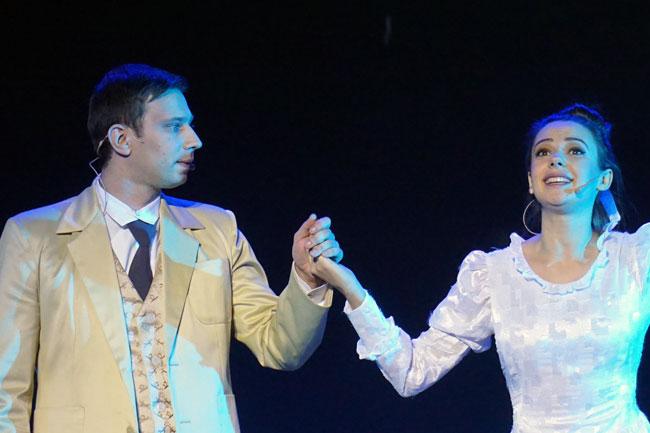 Новошахтинский-театр