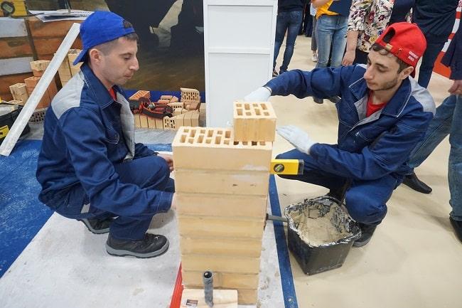 ребята из Таганрогского строительного колледжа-min-1