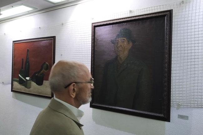 у-автопортрета-Теряева