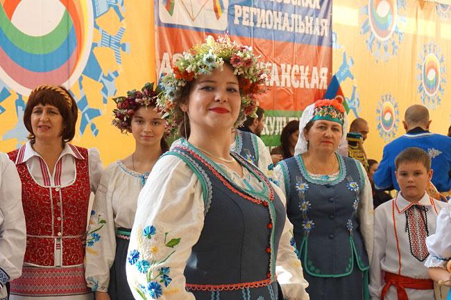 ансамбль-Славяночка-из-Бата