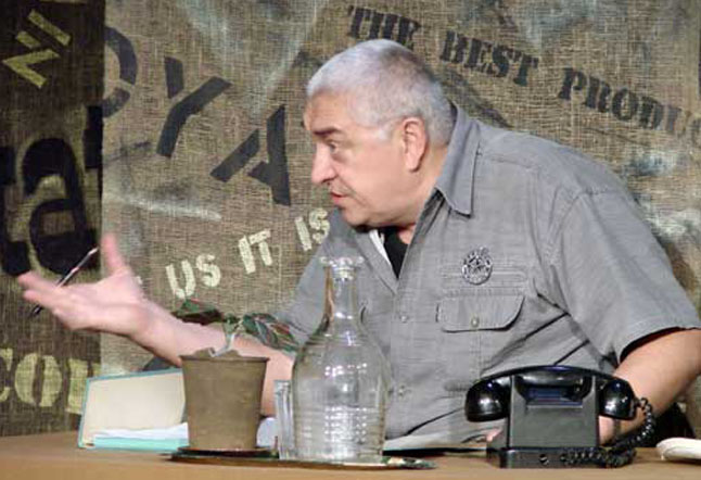 Александр Лельков в спектакле Продавец дождя