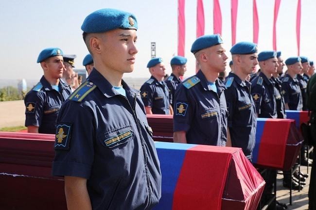 солдатики и гробы-min