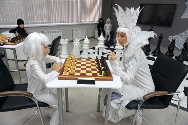 в-шахматной-гостиной