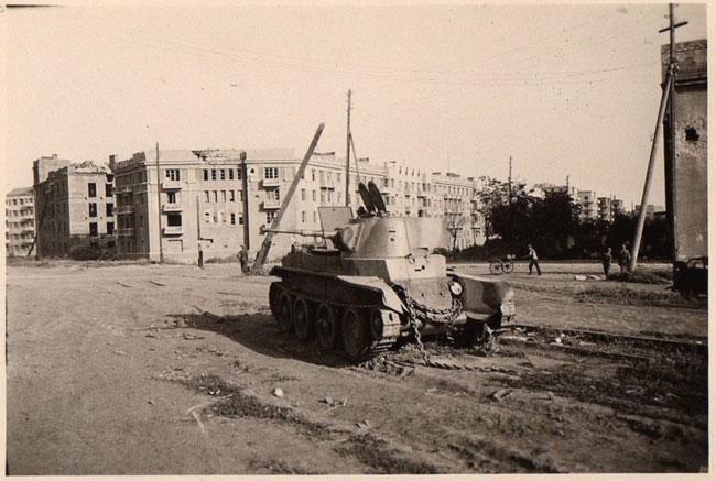 Комсомольская-площадь-1942-