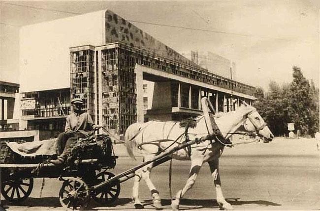 театр-Горького-лето-1942-го