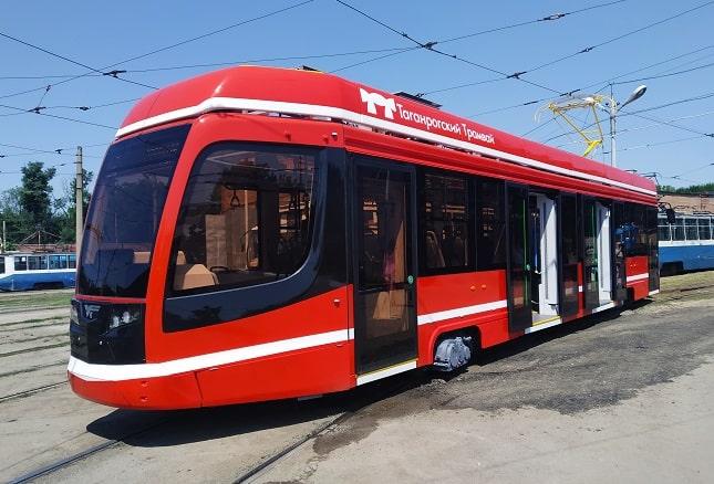 трамвай-min