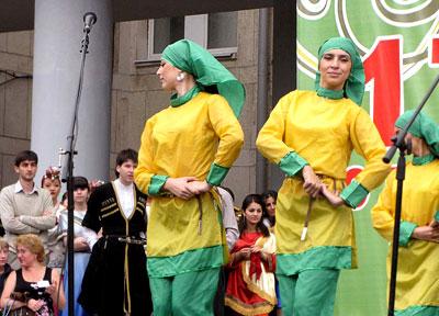 Азербайджанская диаспора на празднике Ростов многонациональный, день города 2009, фото Веры Волошиновой
